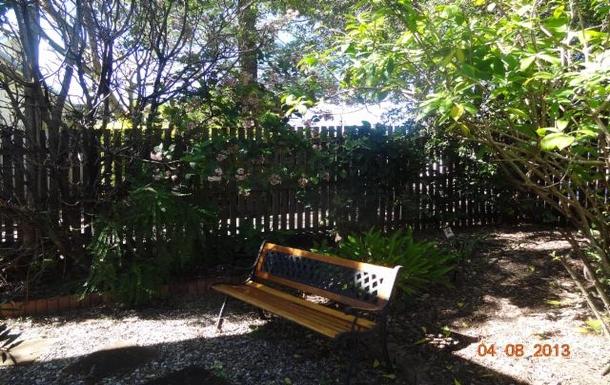 Home exchange in,Australia,WOOLOOWIN,Front garden