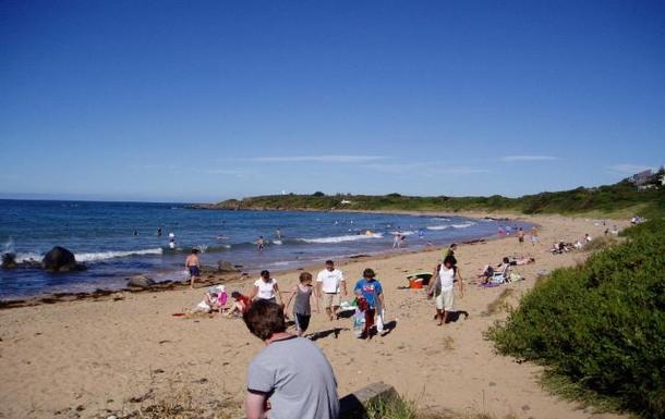 Home exchange in,Australia,DEVONPORT,Local beach 2 minute walk
