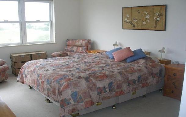 Home exchange in,Australia,BREAKFAST POINT,Master bedroom