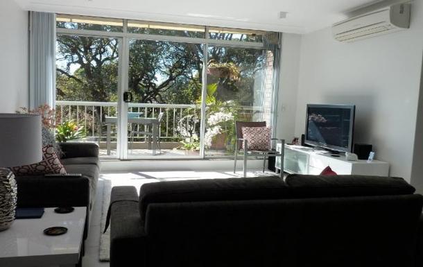Home exchange in,Australia,LANE COVE,Lounge / TV area.