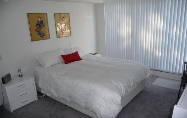Home exchange in,Australia,LANE COVE,Bedroom 1 - queen size.