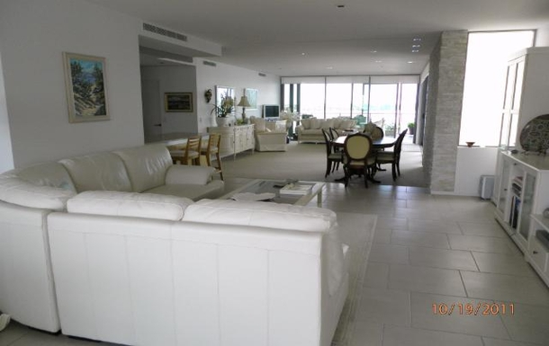 "Home exchange in,Australia,PARADISE POINT,Looking towards dining and ""formal"" lounge area"