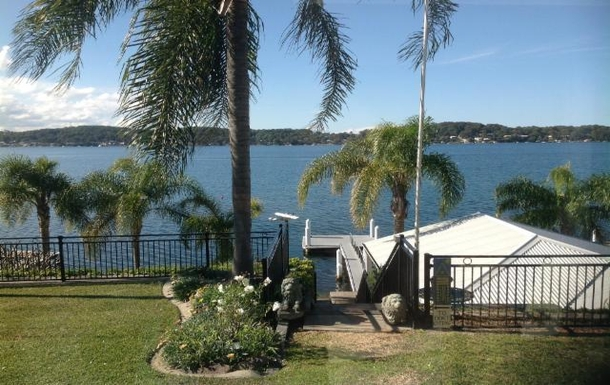 Home exchange in,Australia,FISHING POINT,Our cottage right down on waterfront