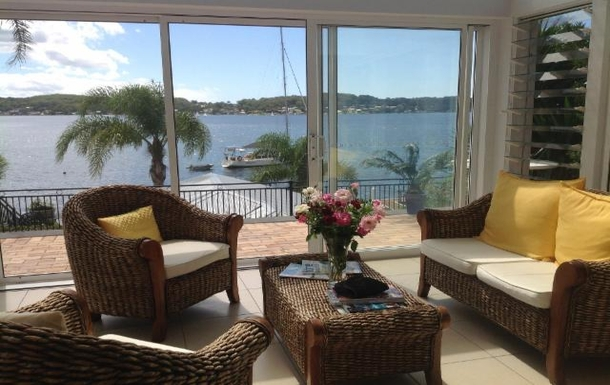 Home exchange in,Australia,FISHING POINT,180 degree view of the lake from the atrium downst