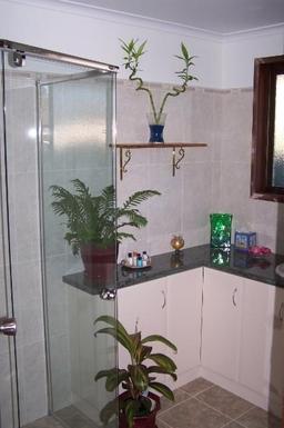 Home exchange in,Australia,ALSTONVILLE,Main bathroom