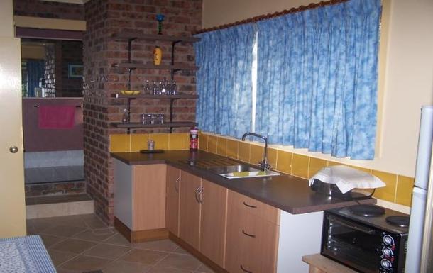Home exchange in,Australia,ALSTONVILLE,Granny flat kitchen + bathroom