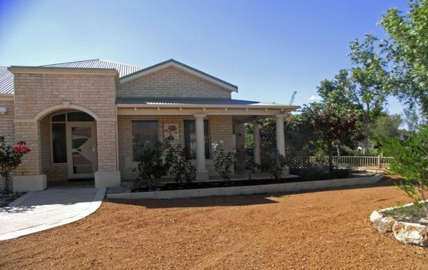 Home exchange in Australia,CANNING VALE, Western Australia,House with gorgeous lake view and heated pool,Home Exchange & Home Swap Listing Image