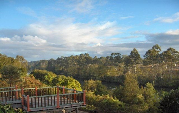 Home exchange in,Australia,EAST IPSWICH,River view from most rooms.