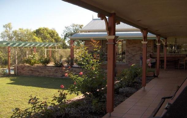 Home exchange in,Australia,EAST IPSWICH,Relax on the back verandah