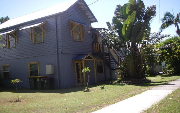 Home exchange in,Australia,Brunswick Heads,A trendy little Queenslander. Very comfortable.
