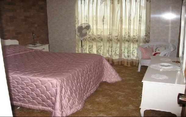 Home exchange in,Australia,EMU PARK,main bedroom