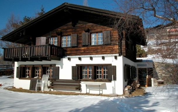 south facing chalet, sunny even in winter...