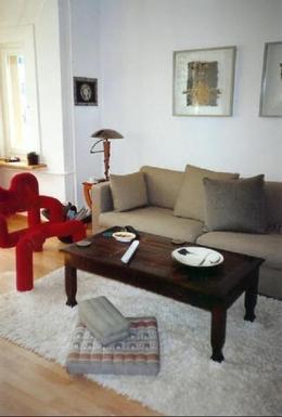 Wohnen, unterdessen mit Ledersofa + TV-Sessel