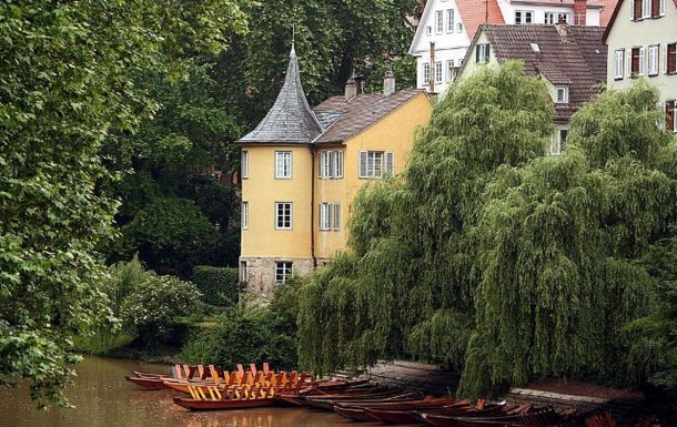 Hölderlinturm on the river Neckar