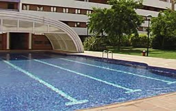 building complex swimming pool