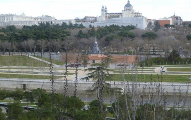 BoligBytte til,Spain,Madrid Central,Winter view from living room. Royal Palace and Alm