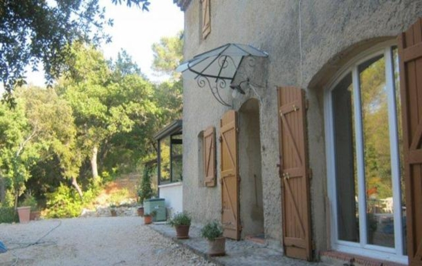 Welcome to an old bastide in the heart of Provence