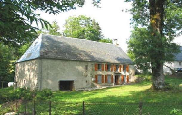 Home exchange country Fransa,Clermond-Ferrand, Auvergne-Rhone-Alpes,France - Clermond-Ferrand, 60k, SW - Holiday,Home Exchange Listing Image