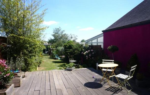 terrasse et jardin (entièrement clos)