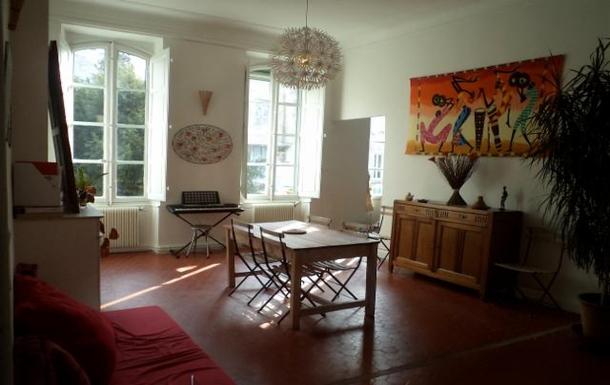 Living room. South Side