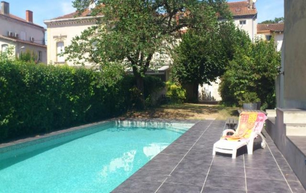 BoligBytte til Frankrig,Agen, downtown, Nouvelle-Aquitaine,Large house with private pool near downtow,Boligbytte billeder