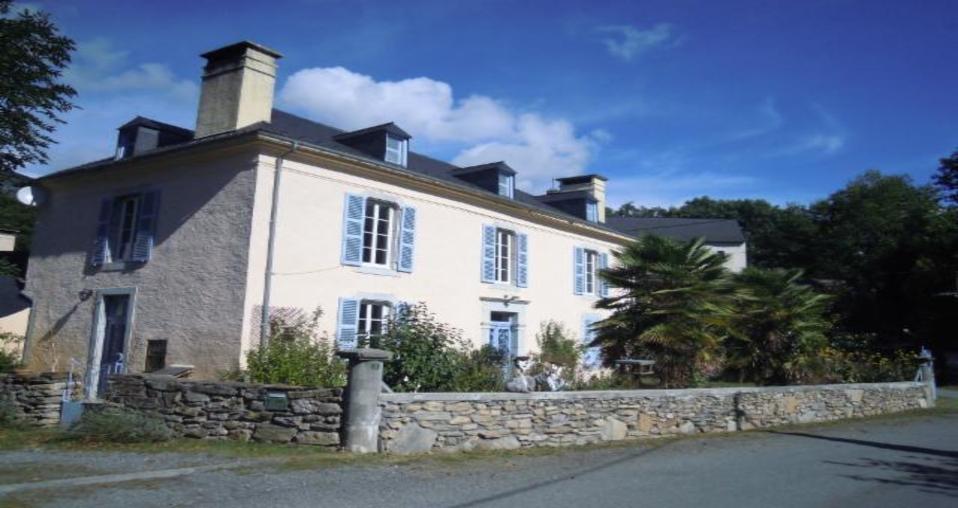 Image De Belle Villa home exchange in france   boô-silhen   belle maison ancienne sud de