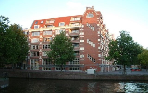 Home exchange country Hollanda,Amsterdam, Noord-Holland,Nice appartment on fleamarket and canal,Home Exchange Listing Image