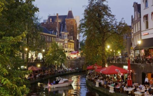 BoligBytte til,Netherlands,Amsterdam, 30m, S,Utrecht with its canals and cafe's