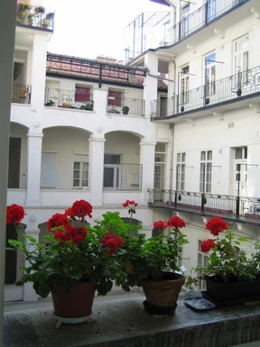 Kodinvaihdon maa Unkari,Budapest, 0k, NE, ,Large-Central Family Home in Budapest,Home Exchange Listing Image