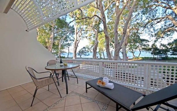 Home exchange in,Australia,Cairns, 25k, N,Coral Sea from balcony