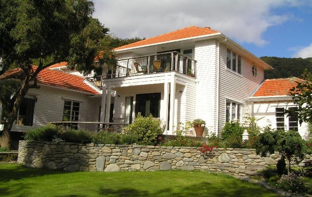 Koduvahetuse riik Uus-Meremaa,Wellington, 15k N, Wellington,Wellington with harbour views close to city,Home Exchange Listing Image