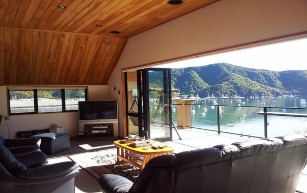 Home exchange in,New Zealand,Picton,lounge view