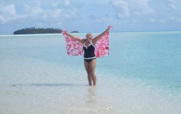 Huizenruil in  Cookeilanden,Aitutaki Cook Islands, 1,Fabulous Aitutaki on white sandy beach,Huizenruil foto advertentie