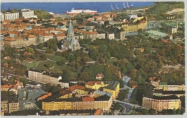 BoligBytte til,Sweden,Stockholm, 0k, S,Our house-bottom middle. Cornerapartment, topfloor