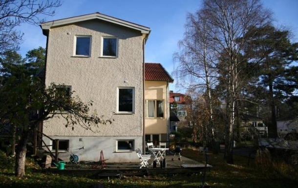 BoligBytte til,Sweden,Hägersten,Charming neighbours and adjacent to a little wood.
