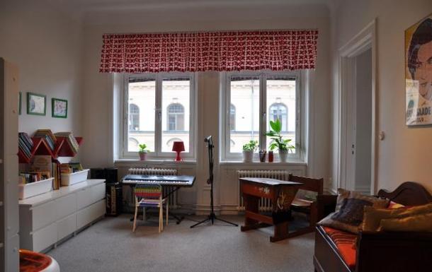 BoligBytte til,Sweden,Stockholm city, 0k,,Son's bedroom. Keyboard, electric guitar, drumset!
