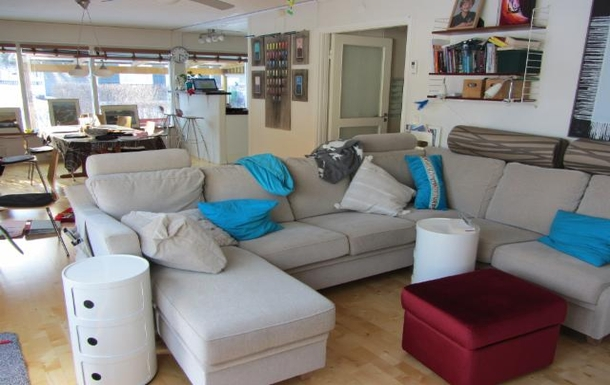 BoligBytte til,Sweden,Stockholm, 30k, NW,Big sofa in livingroom