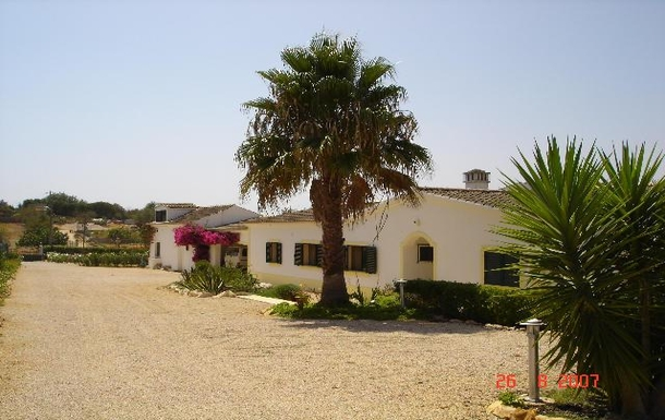 Home exchange in,Portugal,Portimao, 2m, N,Single storey 4 bedroom ranch style Villa, set in