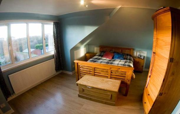 BoligBytte til,United Kingdom,Edinburgh, 2m, S,Upstairs double bedroom