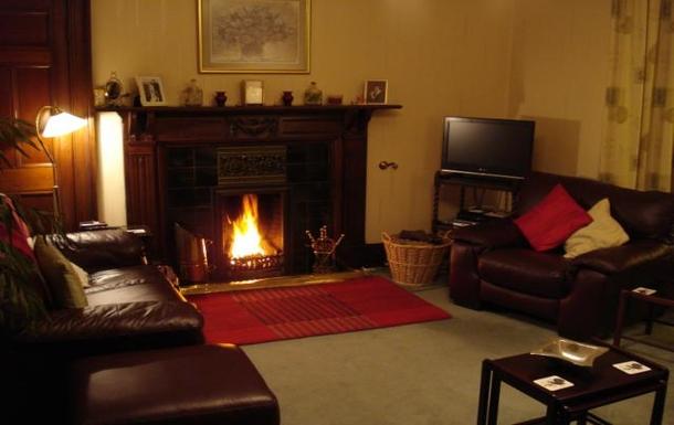 BoligBytte til,United Kingdom,Edinburgh,Sitting room - much larger than it appears