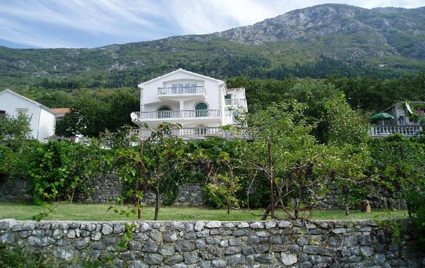 BoligBytte til,Montenegro,Risan,View from terraced olive & fruit tree gardens