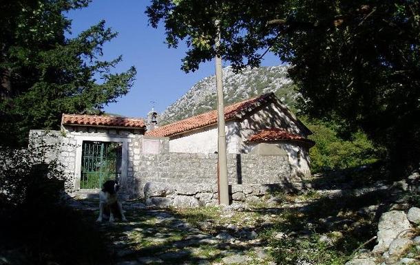 BoligBytte til,Montenegro,Risan,Walk to Sveti Jovan Little Serbian Orthodox church
