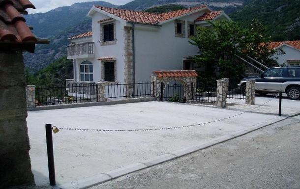BoligBytte til,Montenegro,Risan,Boligbytte billeder