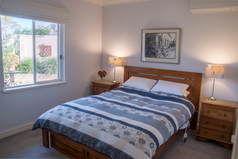 Home exchange in/Australia/Salter Point/Queen Bed