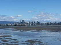 Home exchange in/Canada/Vancouver/the view of downtown from Jericho beach, 10 min