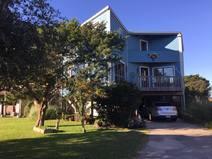 Koduvahetuse riik/United States/Oak Island/Beach house across from ocean with marsh view.