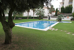 Home exchange in/Spain/Sitges/Jardin y piscina comunitaria