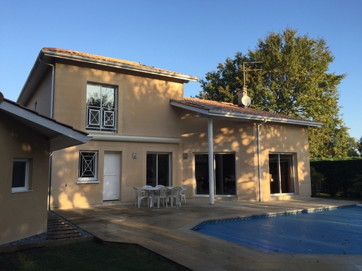 BoligBytte til Frankrig,Pessac, Aquitaine,Great house with a swimmingpool near Bordeaux,Boligbytte billeder