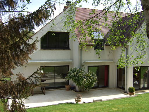 Home exchange in France,MONTLHERY, France,Discover Ile de France ! very quiet and green,Home Exchange & Home Swap Listing Image
