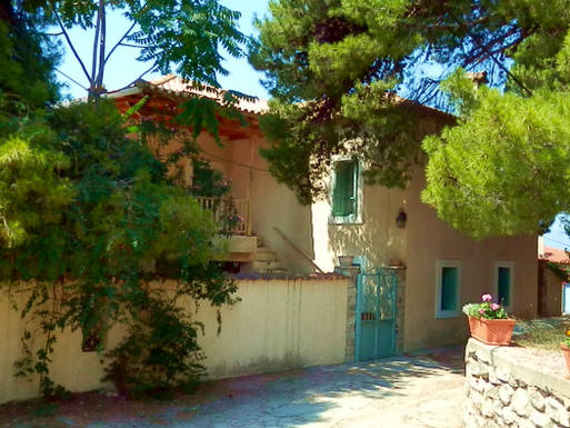 Huizenruil in  Griekenland,25100 Aegion, AchaiA,Charming traditional house in Greece,Home Exchange Listing Image